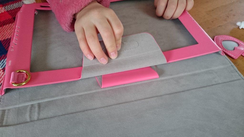 セイバン製タブレットカバーにタブレットが入れにくいという事実